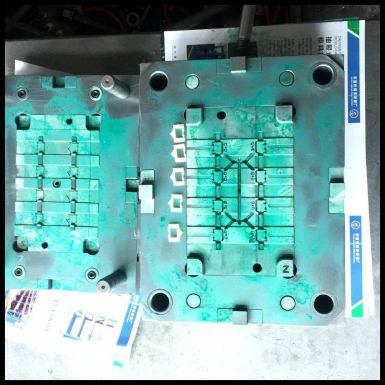 塑料注塑模具厂家 5