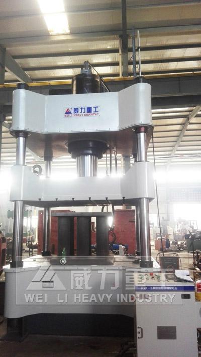 500噸金屬粉末成型液壓機 1