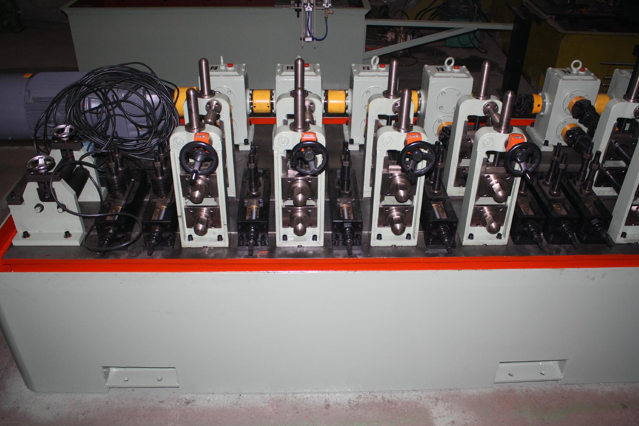 不鏽鋼工業型焊管機 5