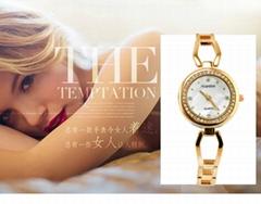 韩版女表潮流时尚水钻手表批发钢带表带手链表手镯表