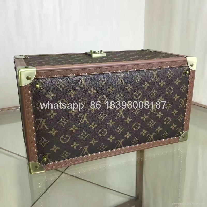 wholesale New Arrival Louis Vuitton  LV Lady Box Women Bags Wood iphone Case 1