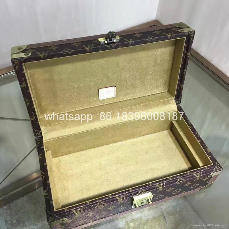 wholesale New Arrival Louis Vuitton  LV Lady Box Women Bags Wood iphone Case 4