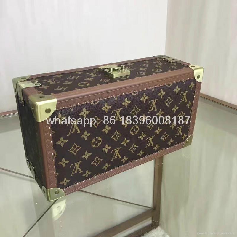 wholesale New Arrival Louis Vuitton  LV Lady Box Women Bags Wood iphone Case 10