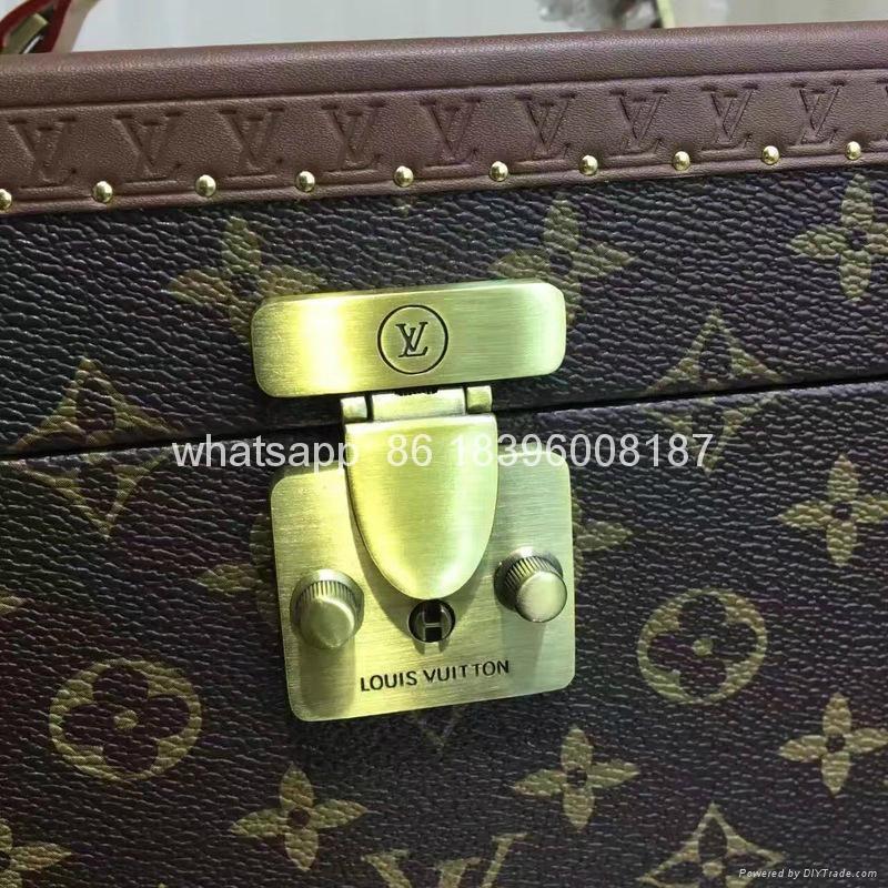 wholesale New Arrival Louis Vuitton  LV Lady Box Women Bags Wood iphone Case 14