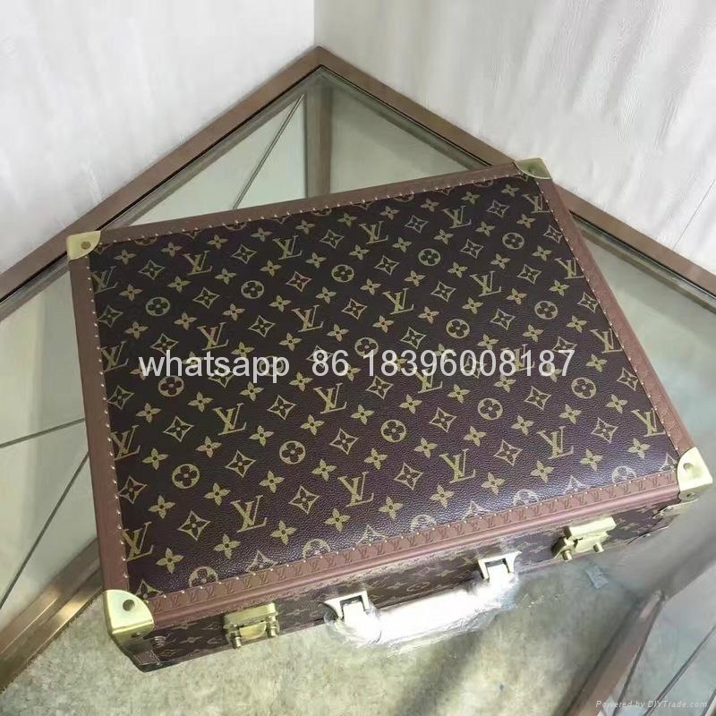 wholesale New Arrival Louis Vuitton  LV Lady Box Women Bags Wood iphone Case 15