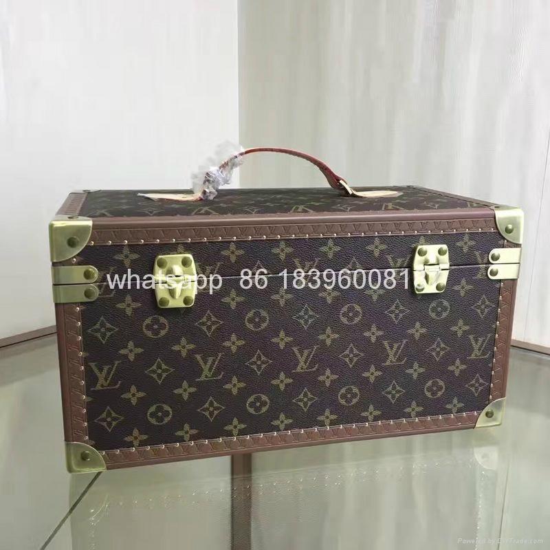 wholesale New Arrival Louis Vuitton  LV Lady Box Women Bags Wood iphone Case 19