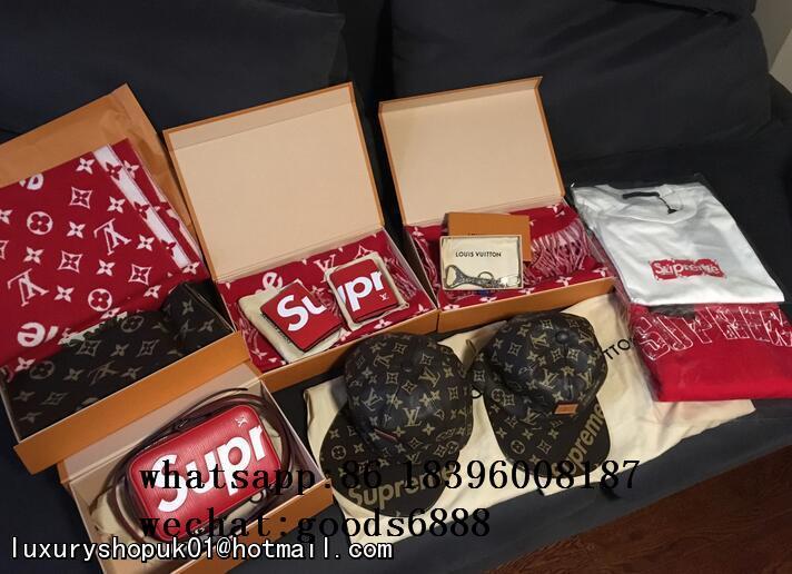 Wholesale Supreme X Louis Vuitton Duffle Bag Handbags suitcase leather wallets  12