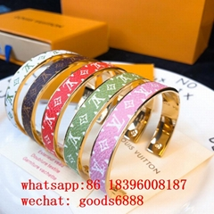 wholesale 1:1 LV fashion Bracelet Louis vuitton Ring Necklace Luxury jewelry  (Hot Product - 1*)