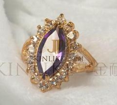 紫色鋯石戒指