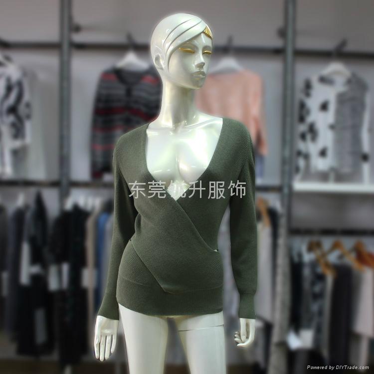 新款女式交叉V領長袖純棉針織毛衣加工 1
