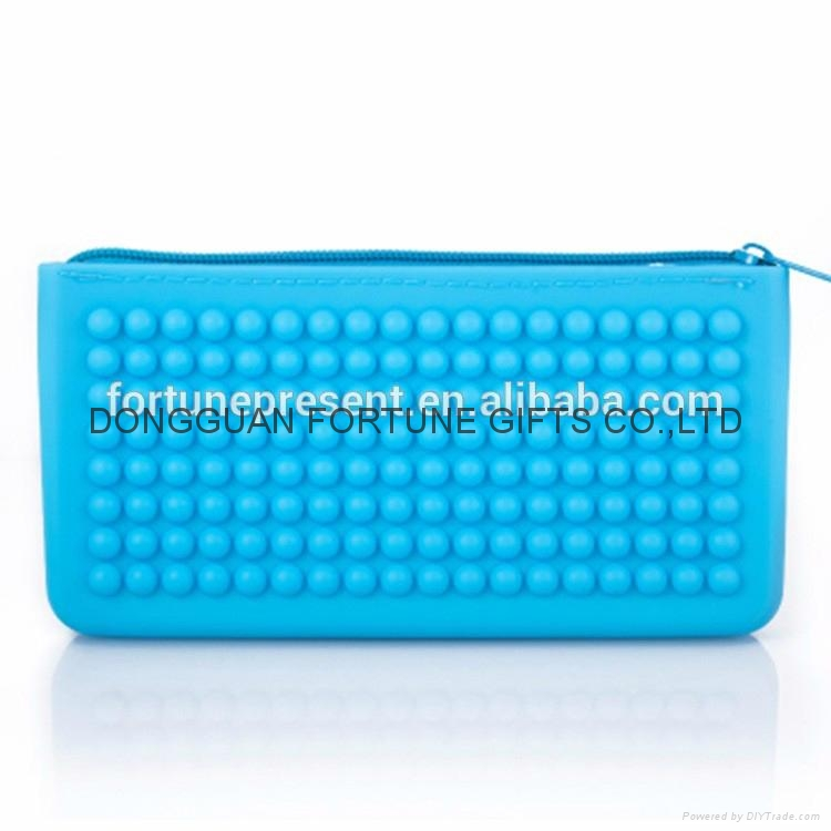 Candy color silicone pencil bag silicone zipper wallet 5