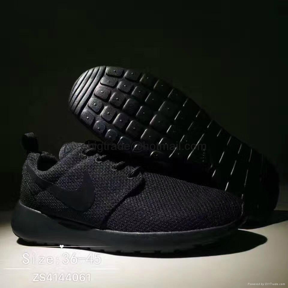 NIKE Roshe Run BLACK shoes
