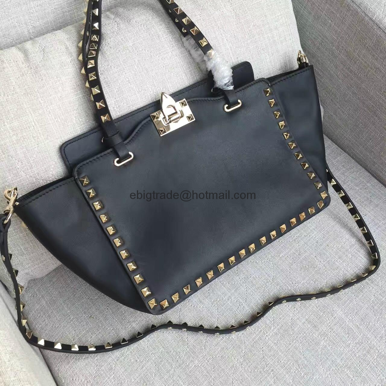 5c5900f50184b Valentino Tasche Made In China