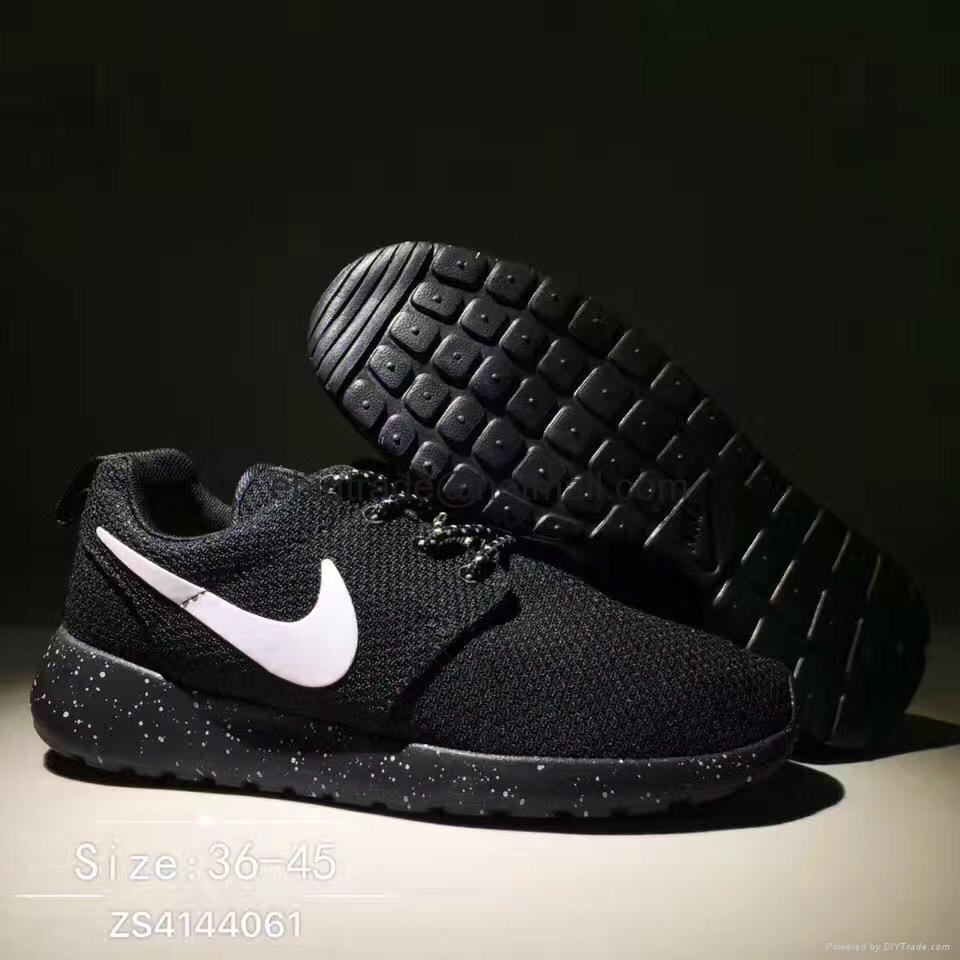 Nike rosherun shoes on sale