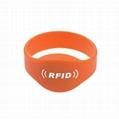 13.56Mhz HF RFID Silicon Wristband Tag 3
