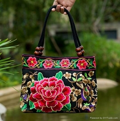 Boho women's flower embroidery handbag canvas shoulder bag