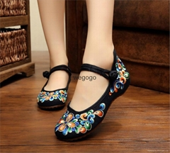 Vintage Women's Flower Embroidery Shoes Canvas Shoes