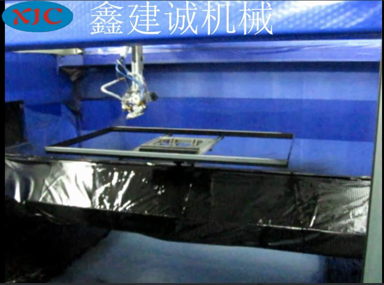 鑫建誠客戶定製液晶電視框五軸自動噴漆機 3