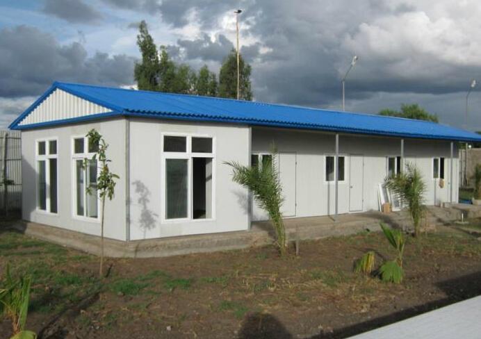 供應內蒙赤峰焊接式防風工地用活動板房 4