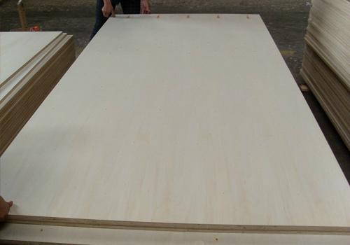 7厘漂白杨木面胶合板多层板包装板 1