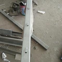 厂家直销刺绳立柱镀锌圆管立柱