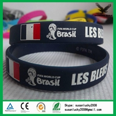 2017 cheap OEM  Debossed embossed rubber custom silicone bracelet wristband
