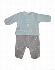 Long sleeved romper suit