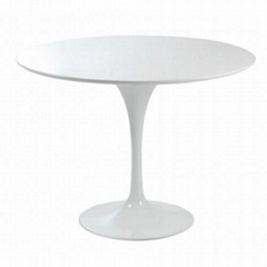 Designer Furniture Eero Saarinen tulip dining table