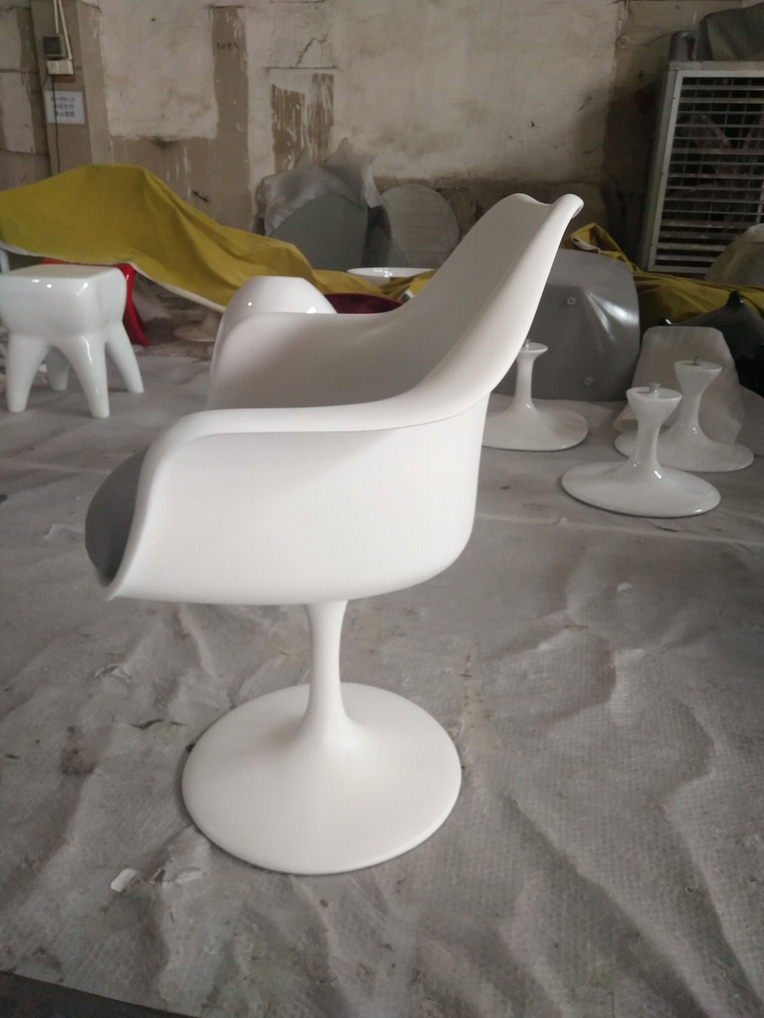 Modern Design Swivel Eero Saarinen Tulip Armchair  6