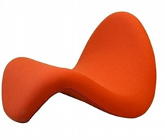 Replica Mid-Century Tongue Lounge Chair by Pierre Paulin