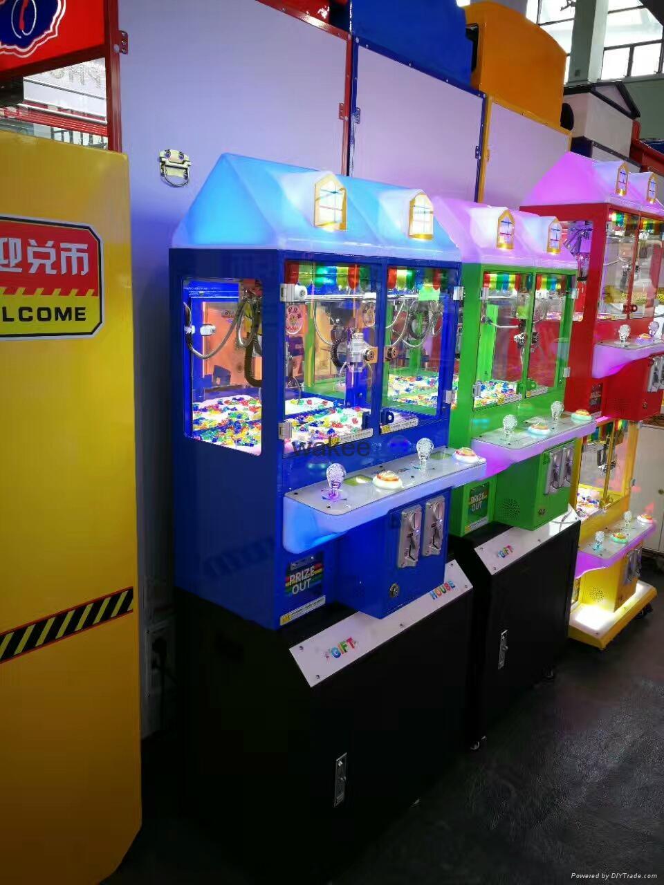 2017 candy slot machine arcade game Magic House doll coin pusher machine for kid 3