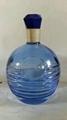 蓝色玻璃瓶
