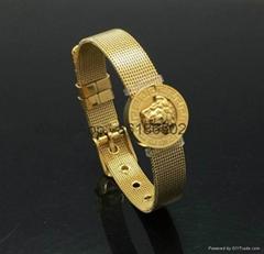 Wholesale Cheap Versace jewelry Versace necklace rings bracelets earrings 1:1
