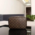 Louis Vuitton Monogram Toiletry Bag Cosmetic Bag LV Cosmetic Make up Pouch Purse