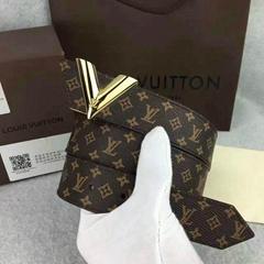 Wholesale Louis Vuitton Monogram Canvas Essential V Leather belts LV Waist belt