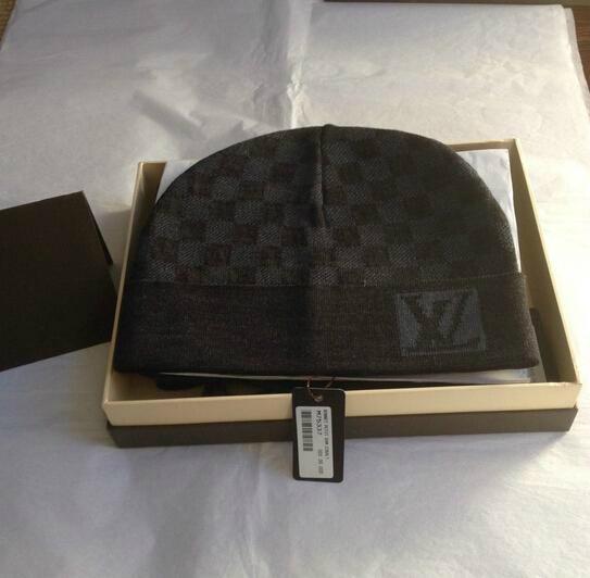 fad5b6c0ff9 Louis Vuitton Cobulte Beanie LV Hat   Scarf Set Petit Damier caps ...