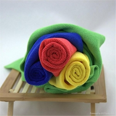 China suppliers yellow blue red green cleaning towel more cheap microfiber c