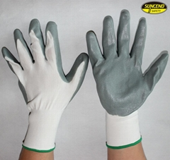 Oil resistant 13g polyester smooth nitrile coated gloves