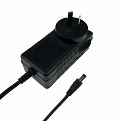 14V2A鎳氫電池充電器 歐規電池充電器