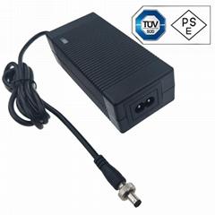 12.6V5A锂电池充电器 电动喷雾充电器