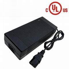 14.6V10A鉛酸電池充電器 146W鉛酸電池充電器
