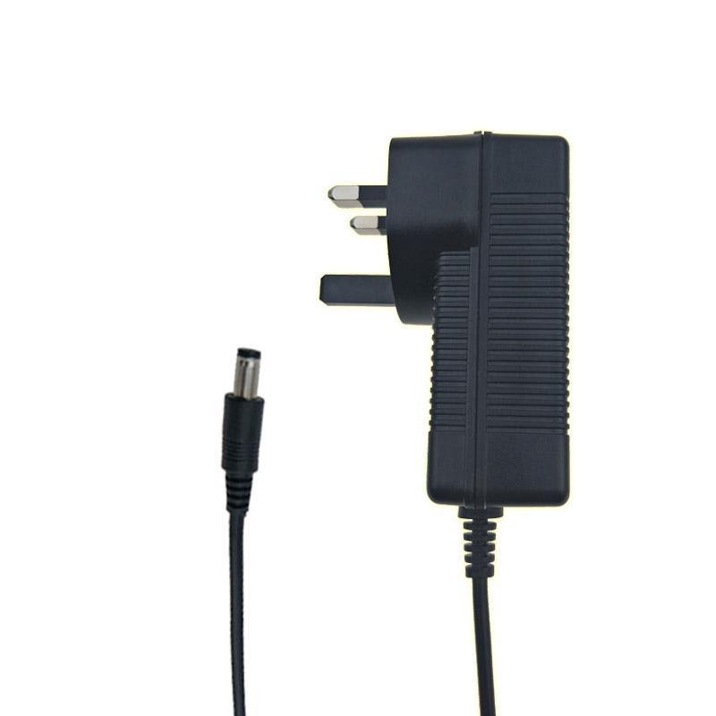 8.4V3A充電器  BSI認証8.4V電池充電器  3