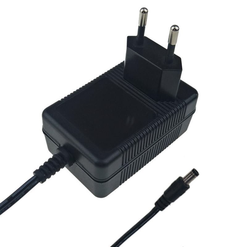 12.6V2A锂电池充电器 探测器充电器  5