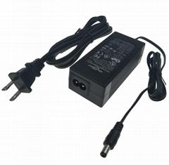 14.6V3.5A鉛酸電池充電器  電動玩具車充電器