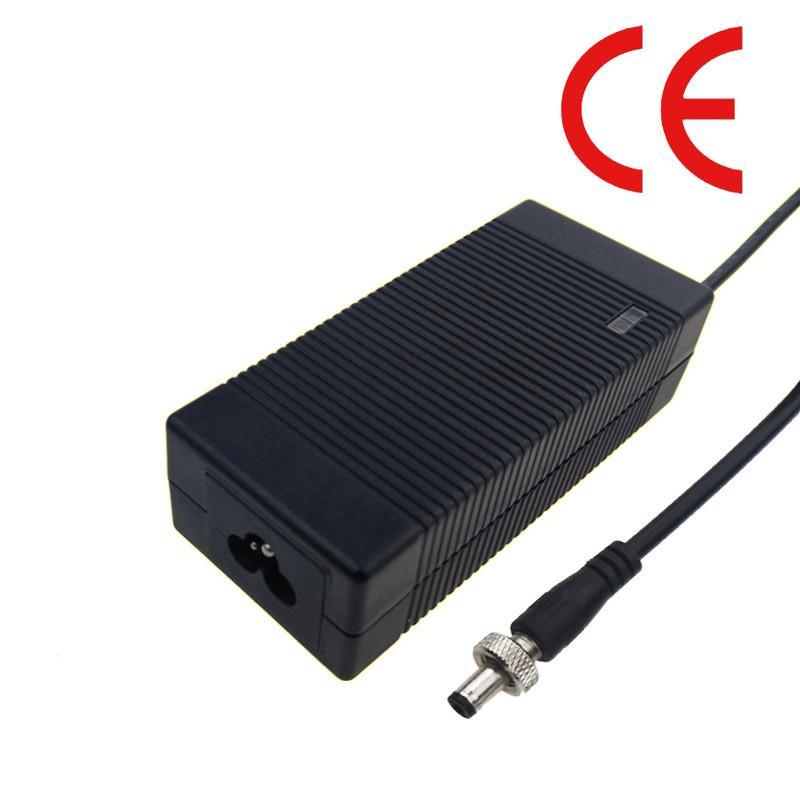 供應優質67.2V3A鋰電池充電器 大功率桌面式充電器 3