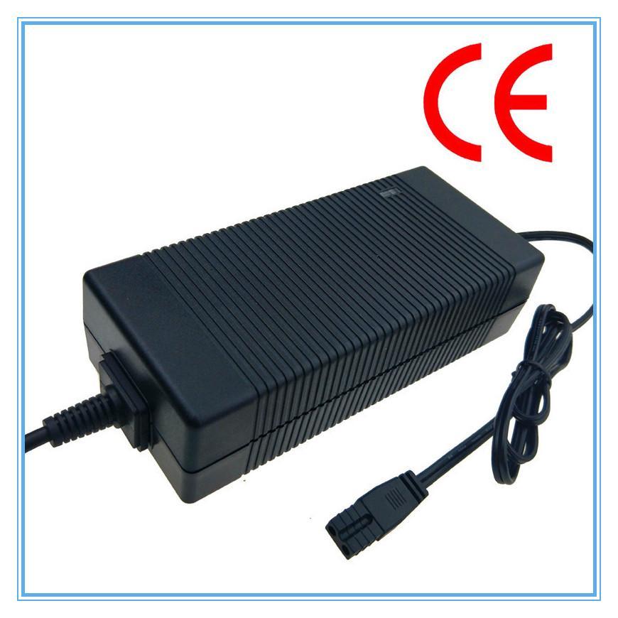 IEC61558認証54.6V2A鋰電池充電器 13串鋰電池組充電器 1