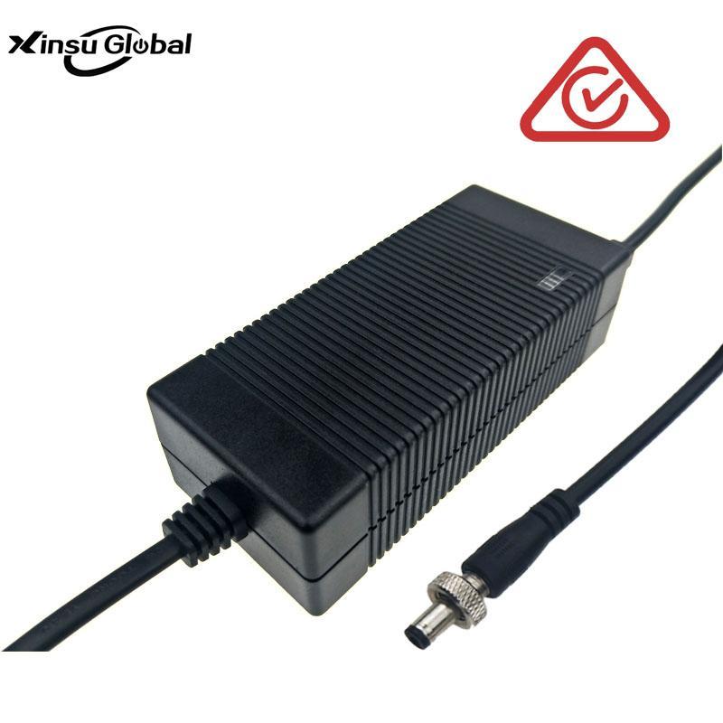 電動滑板車充電器 42V1.5A充電器 3pin航空連接器 4