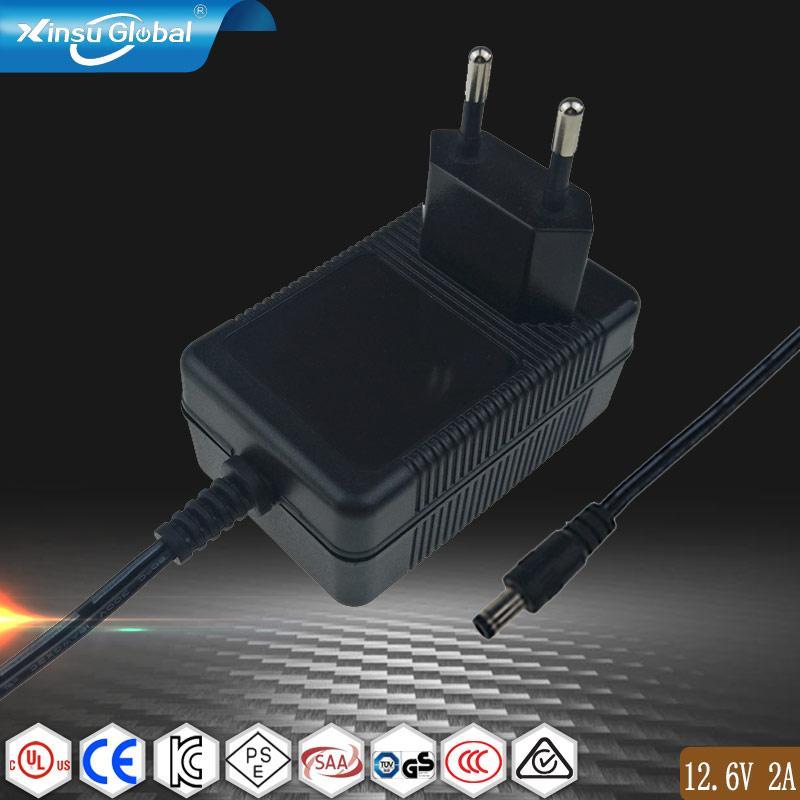 UL62368-1 認証12.6V1A鋰電池充電器 插牆式充電器 1