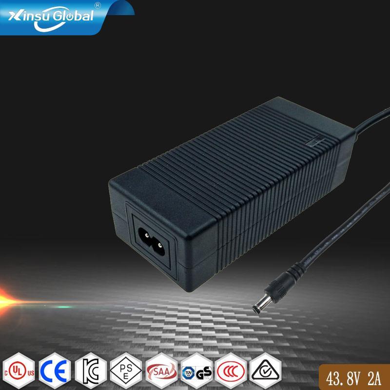 43.8V2A鉛酸電池充電器 電動踏板車充電器 1