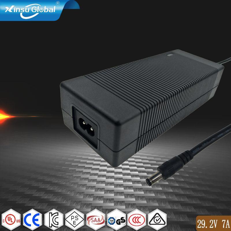 29.2V7A铁锂充电器 1